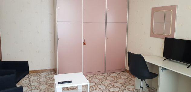 Camera in ampio alloggio zona vanchiglietta