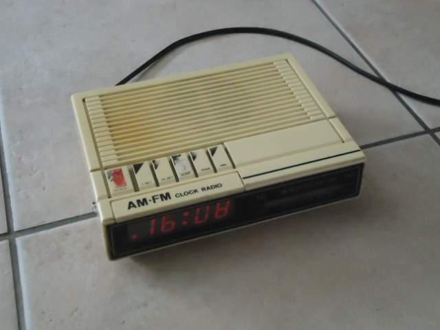 Radio sveglia vintage am/fm