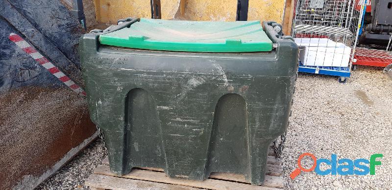 Varie attrezzature agricole Cisterna gasolio mobile