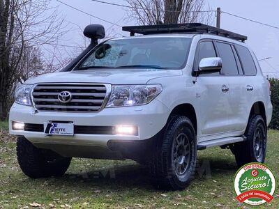Toyota Land Cruiser V8 V8 4.5 D4-D 5 posti Usata a Bologna -