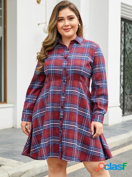 Yoins plus abito a maniche lunghe scozzese con design a bottoni rossi