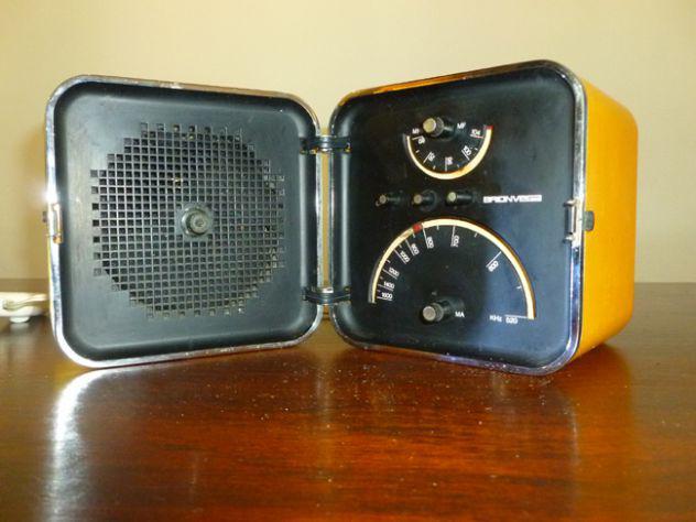 Radio cubo brionvega ts 502