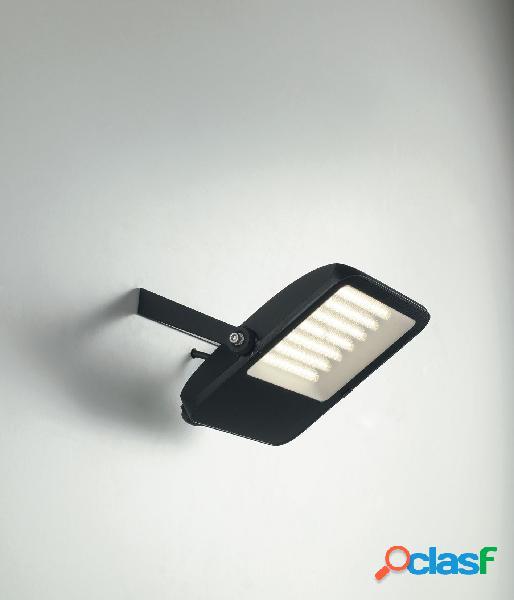 Proiettore led taurus nero 70w 8400lm 6500k ip65 24,9x22,9x4,8cm led-taurus-70f