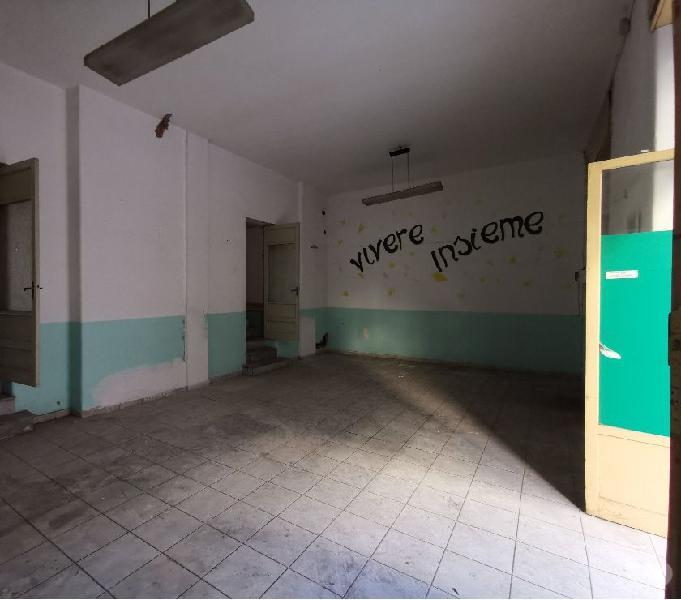 Laboratorio o appartamento tramite cambio destinazione uso catania - magazzini e capannoni in vendita