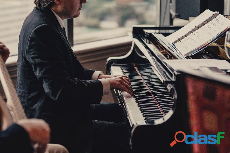 Pianista classico e swing a Bra