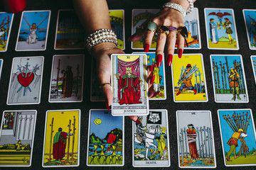 Cartomanzia Astrologia Professionale Qualitativa