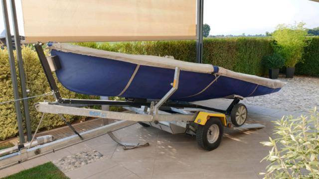 Barca a vela 470 completo di carrello stradale