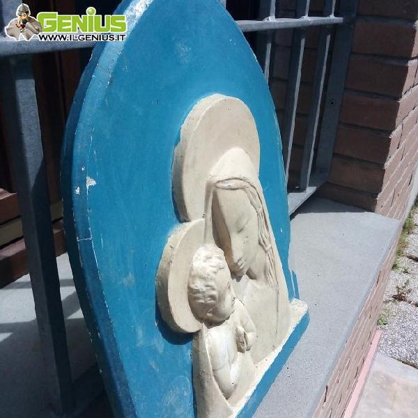 Madonna con bambino altezza 40 cm diametro 30 cm vendo a