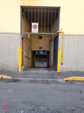 Garage/posto auto di 15mq in via enea salmeggia 8 a milano