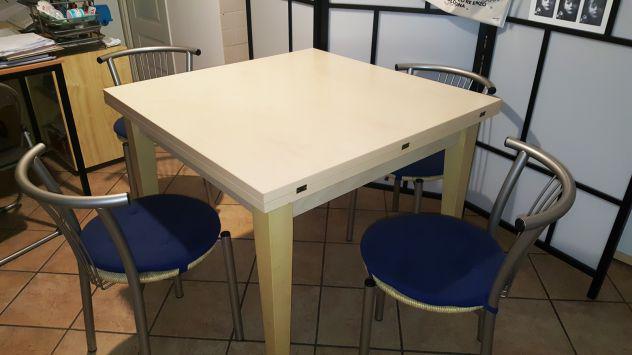 Tavolo cucina allungabile 95x 95/190+ 4 sedie calligaris