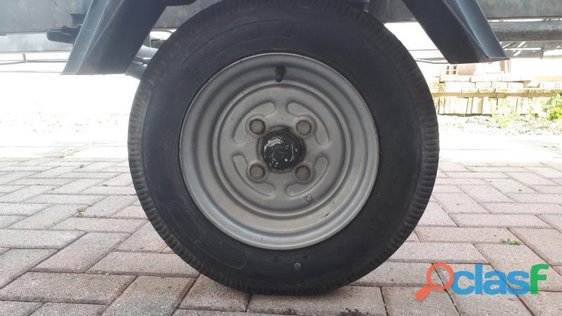 Canadian 560 motore carrello accessori 6