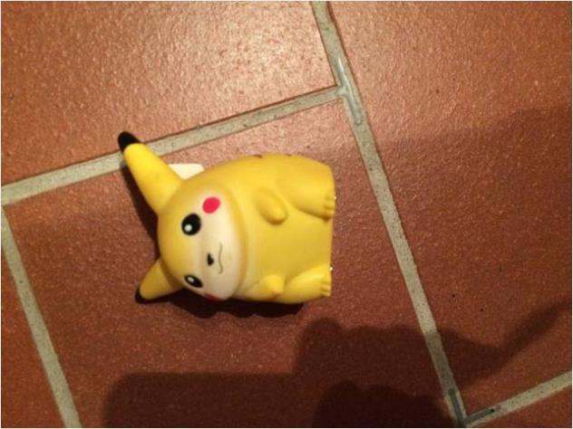 Pokemon trainer's mini figura pikachu anni 90. gioco per