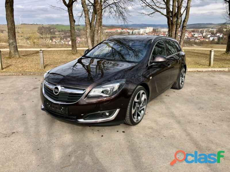 Opel Insignia 2.0 ECOTEC DI Turbo 4x4 Sports Tour