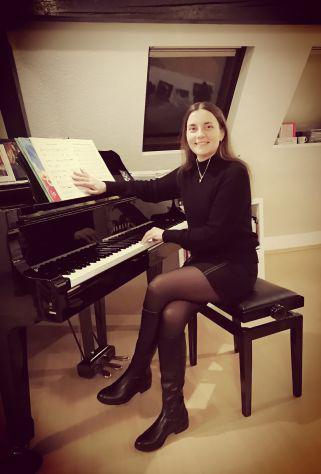 """Lezioni di musica online """"estelle"""" in italiano, tedesco,"""