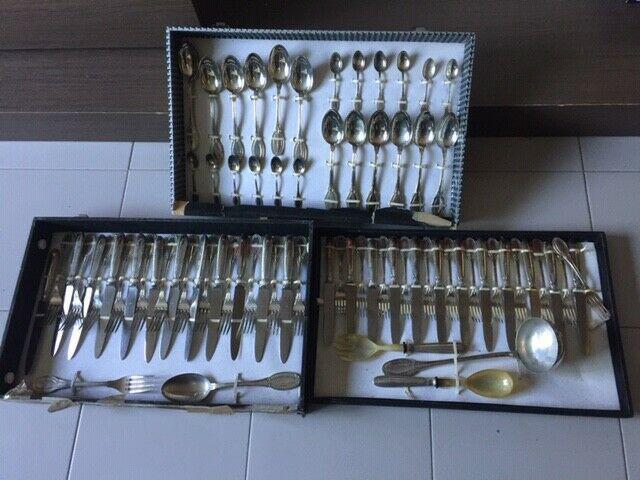 Servizio posate in argento 800, pezzi 77