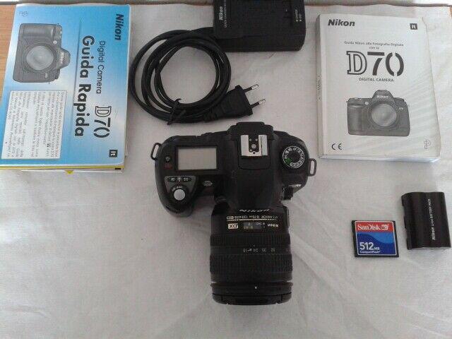 Macchina fotografica reflex digitale nikon d70