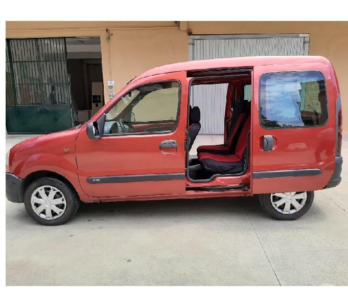 Renault Kangoo GPLbenzina immatricolato anno 2000 Roma - Auto usate in vendita
