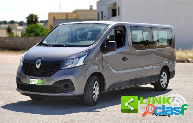 Renault trafic 9 posti passo lungo diesel in vendita a tricase (lecce)