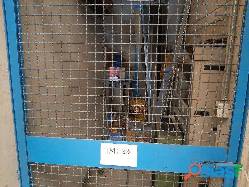 Motori elettrici, rimanenze magazzino termosifoni, imballi cartone 1