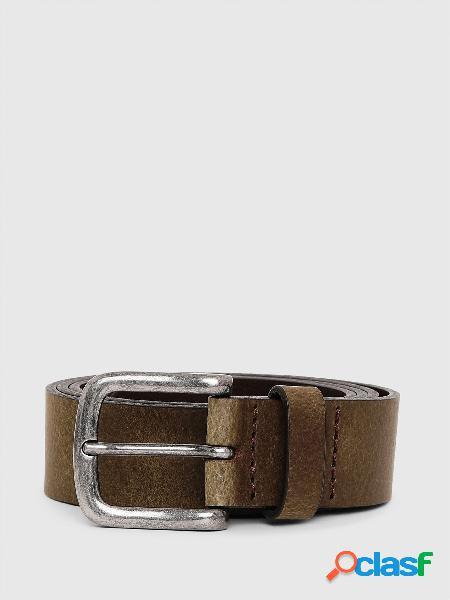 Cintura in pelle effetto texture caratterizzata, fibbia quadrata in metallo e passante singolo, logo inciso, 100% pelle