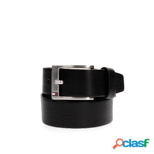 Cintura con fibbia rettangolare, altezza 3,5 cm, bandierina smaltata tommy hilfiger sulla fibbia, 100% pelle