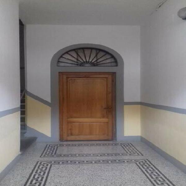Appartamento di 3 vani e di 60 mq (firenze