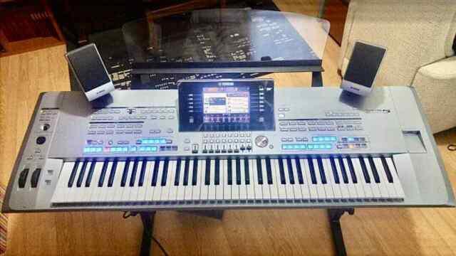 Pianoforte yamaha tyros 5