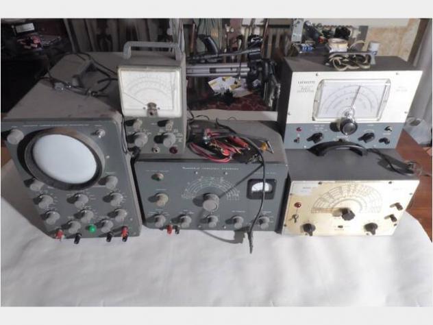 Laboratorio elettronica multimetro oscilloscopio usato