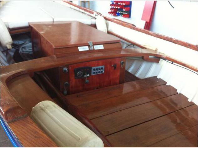 Barca a motoresciallino noberasco anno1967 lunghezza mt5
