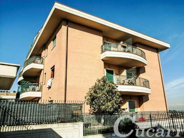 Appartamento trilocale in affitto a roma