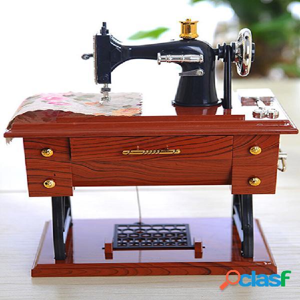 Carillon a forma di mini macchina da cucire