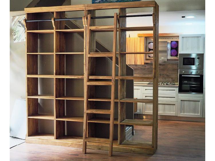 Libreria nature in legno massello india con scala in offerta