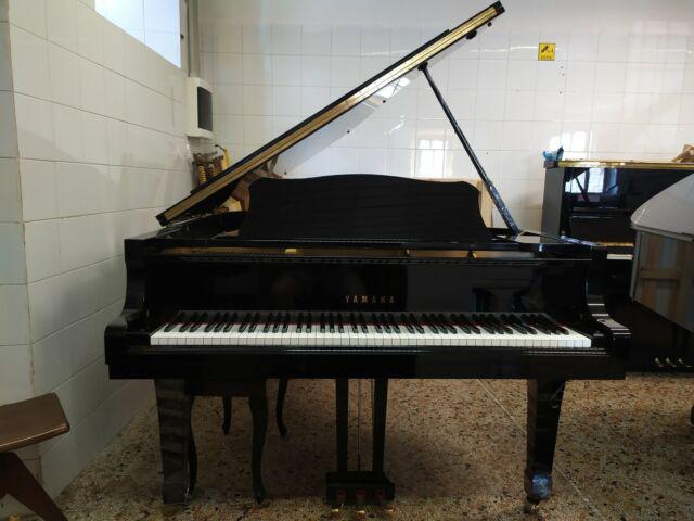 Pianoforte yamaha g5 con trasporto, panca e accordatura