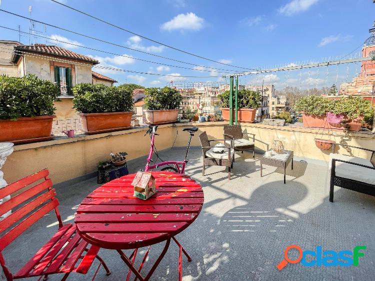 Garbatella - esclusivo appartamento con 3 terrazzi
