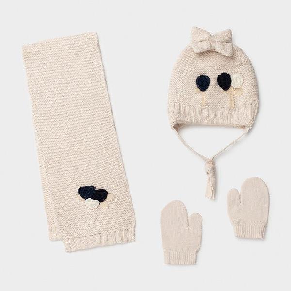 Set cappello sciarpa e guanti fiori sabbia