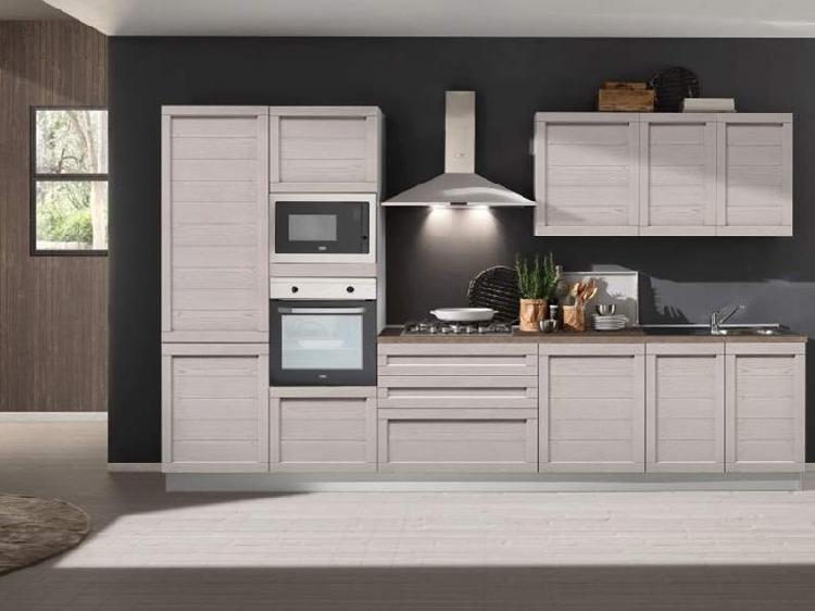 Cucina lineare in laccato opaco a prezzo ribassato 53%