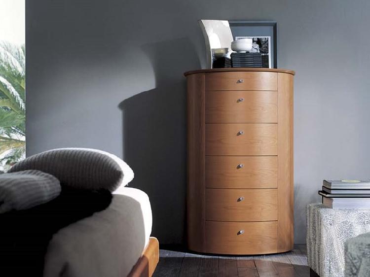 Camera napol cemi ovale in legno ciliegio