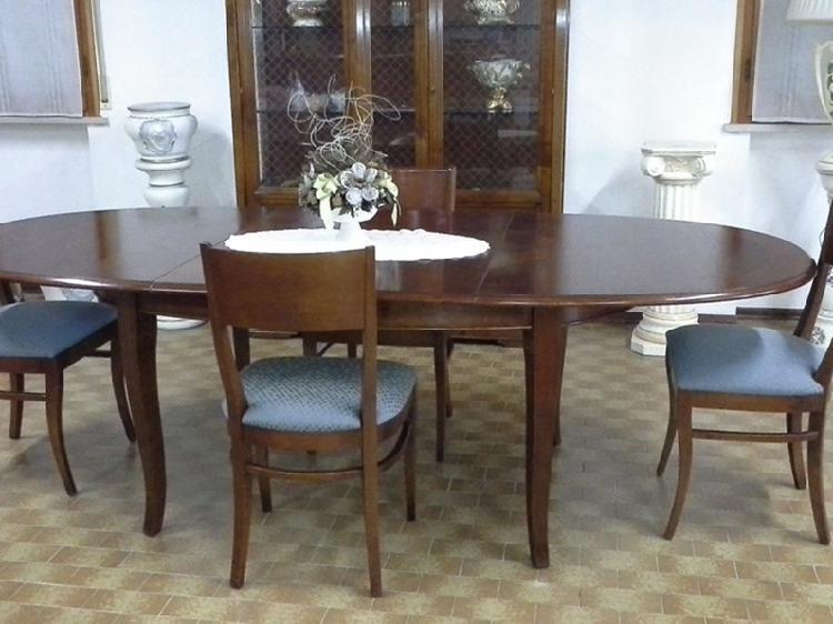 Tavolo sedie in legno