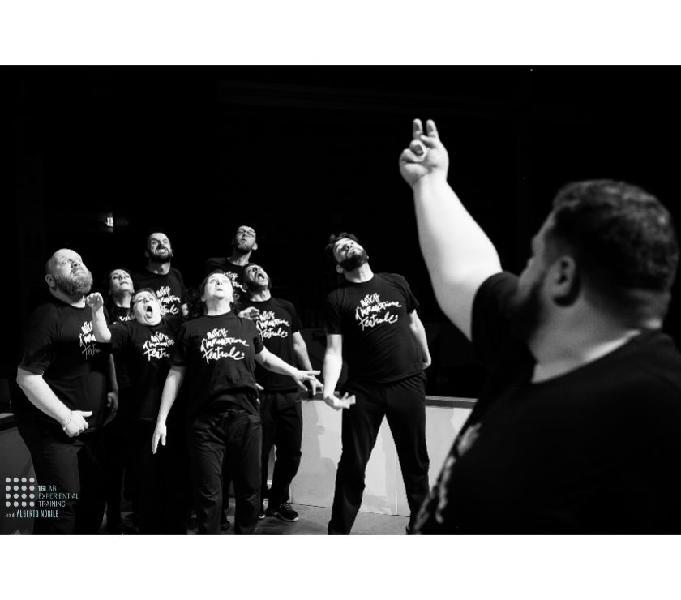 Corso improvvisazione teatrale bologna - corsi danza e arte