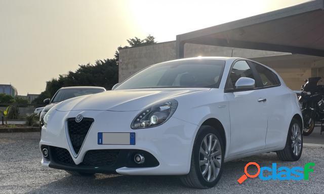 ALFA ROMEO Giulietta diesel in vendita a Melissano (Lecce) 1