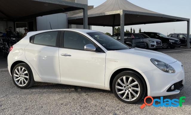 ALFA ROMEO Giulietta diesel in vendita a Melissano (Lecce) 2