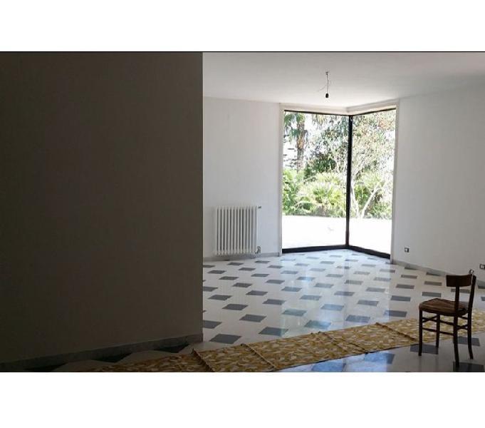 Villa in contesto non isolato Lecce –zona Salesiani Lecce - Casa in vendita