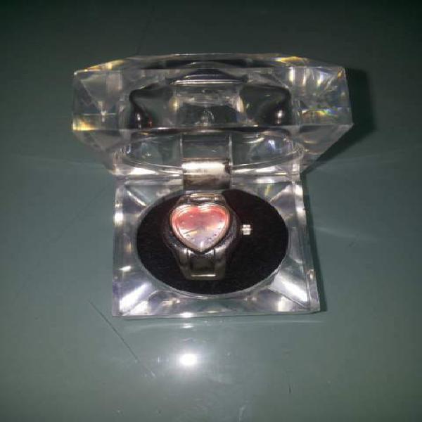 Anello orologio quadrante a forma di cuore