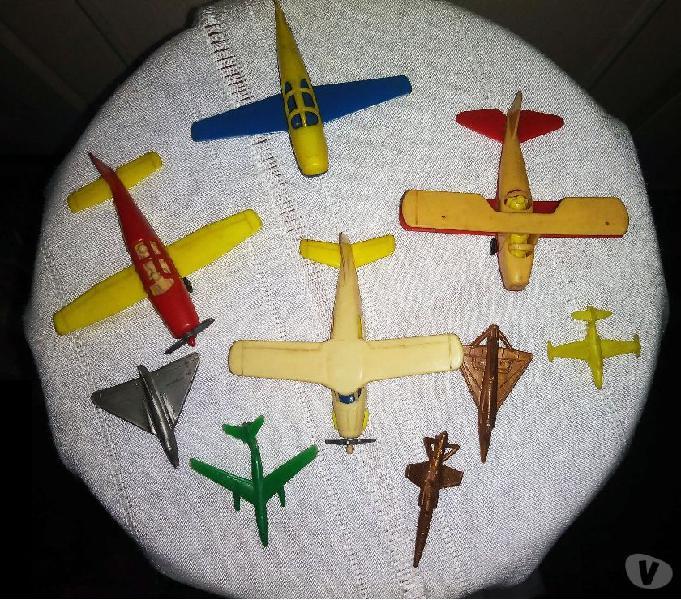 9 modellini di aeroplanini di plastica anni 60 como - collezionismo in vendita