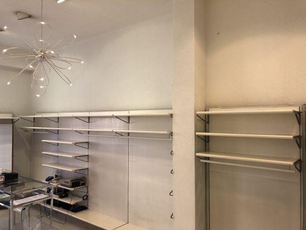 Arredamento attività commerciale negozio abbigliamento
