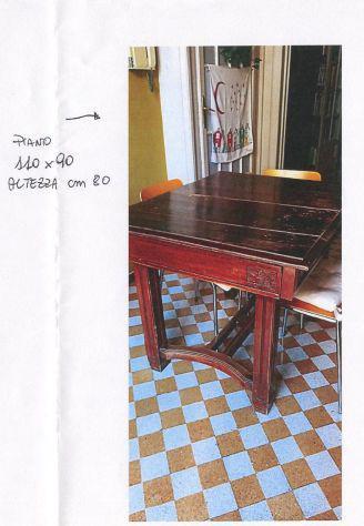 Tavolo antico in legno pregiato