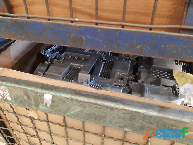 Motori elettrici, rimanenze magazzino termosifoni, imballi cartone