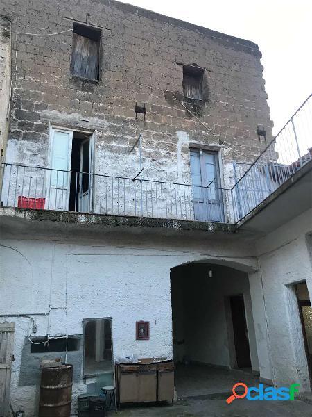 Fabbricato centro mondragone zona san francesco